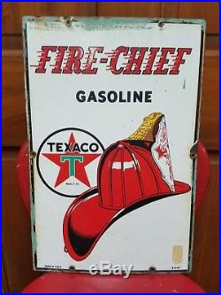 1947 Texaco Fire Cheif Gas Pump Plate Sign. 18inx12in. Porcelain