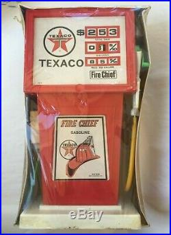 NEWith RARE VINTAGE TEXACO FIRE CHIEF GAS PUMP / H-G TOYS COLLECTABLE TOY