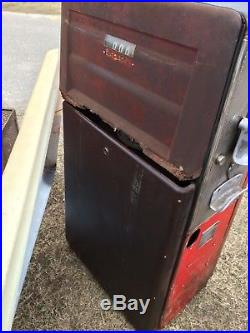 Vintage Tokheim Gas Pump. Texaco Wayne bowser clock face